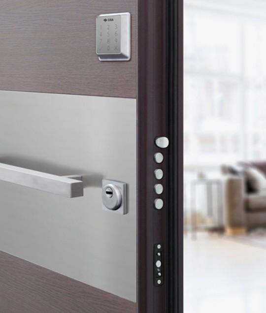 Porte blindate porte per interni infissi serramenti e for Porte milano